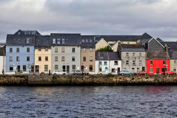 Galway Women - Connecting Singles
